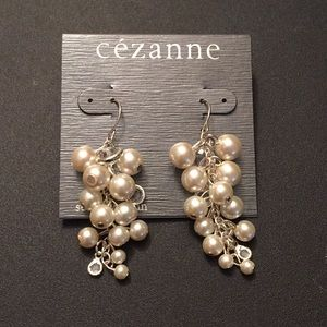 Cézanne French hook earrings. Pearl and crystals